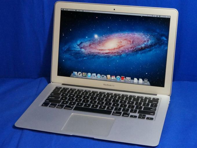 MacBook Air 1700/13.3 MC966J/A