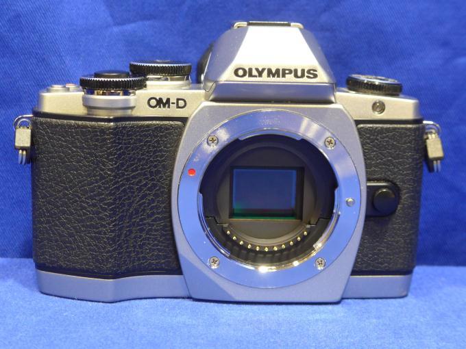 OLYMPUS OM-D E-M10 ボディ [シルバー]